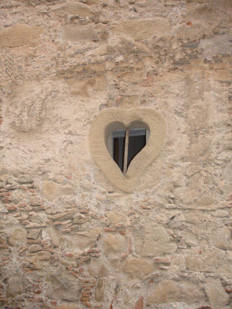 finestrella a cuore